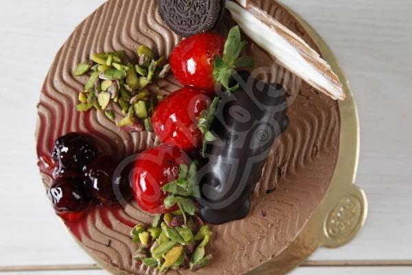 Çilek Böğürtlen Oreolu Pasta