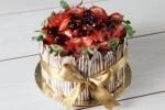 Çilek Böğürtlen Çikolatalı Pasta