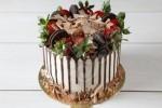 Karamel Oreo Çilekli Pasta